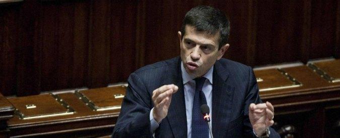 """Frana di Ripoli, il ministro Lupi: """"Si stabilizzerà"""" ma la terra si muove ancora"""