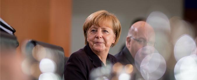 """Germania, scontri contro i profughi. Merkel: """"Sono neonazi, è vergognoso"""""""