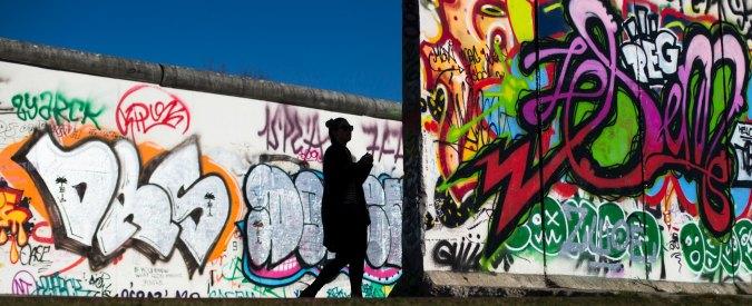 """Muro di Berlino. Pil, fisco, lavoro: 25 anni dopo le 2 Germanie sono ancora """"divise"""""""