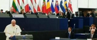 """Papa Francesco a Strasburgo: """"Quale dignità senza lavoro? No al consumismo"""""""