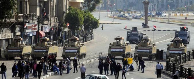 Egitto, 700 persone a Tahrir protestano contro il proscioglimento di Mubarak