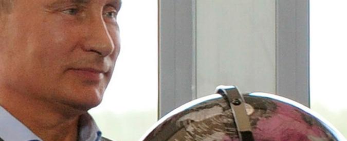 """Putin lancia """"Sputnik"""" in Occidente: è la neo-guerra fredda dell'informazione"""
