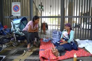 Roma, rom sgomberati da campo: protesta davanti al Comune
