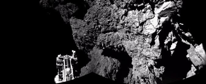 Rosetta, Philae sull'orlo di un cratere Corsa per attivare i pannelli solari