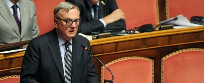 """Giustizia, Pd vota con M5s. Sacconi (Ncd): """"Mi dimetto"""". Poi ci ripensa"""