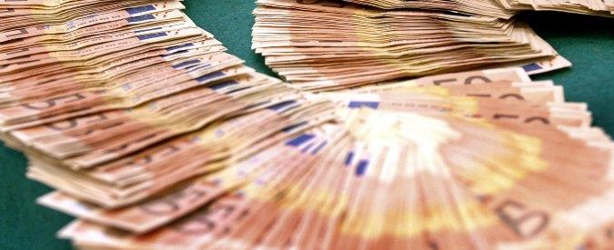 Euro falsi a Napoli: 56 arresti. Coinvolta mamma della bimba morta a Caivano