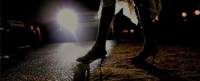 """""""Utilizzatori finali"""": gli uomini che vanno con le prostitute per """"tenerle sotto"""""""