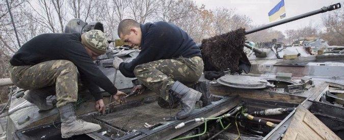 """Ucraina, osservatori Osce: """"Soldati di Kiev hanno sparato sul nostro convoglio"""""""