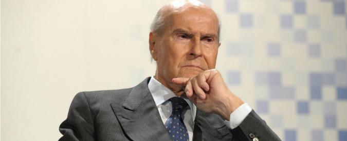 Umberto Veronesi morto, addio all'oncologo che cambiò il modo di operare le donne