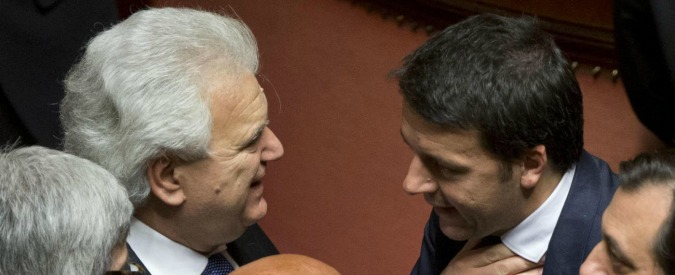 Riforme, Verdini cerca altri 10 senatori per aiutare Renzi (e essere decisivo)