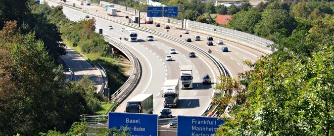 Autostrade tedesche a pedaggio dal 2016, è ufficiale. Ma pagano solo gli stranieri
