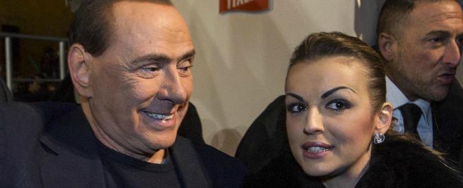 """Berlusconi: """"Tra e me la signora Pascale nessuna crisi"""". Ma lei vive a Madrid"""