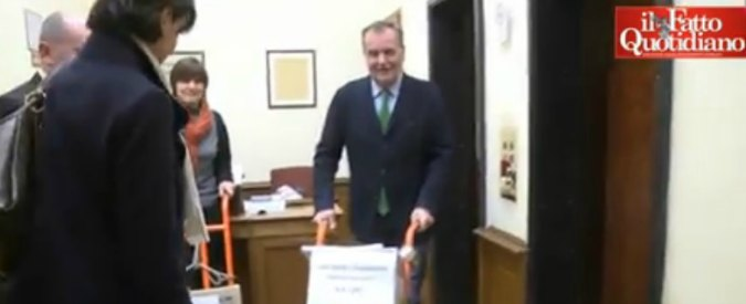 Legge elettorale, Calderoli (Lega Nord) presenta 10mila e 500 emendamenti