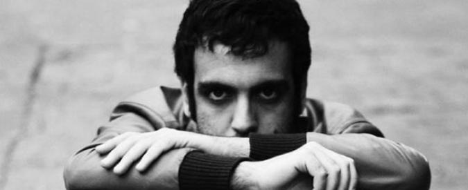 """Maledetti italiani, il nuovo singolo di Colapesce: """"Il passato? Un salvacondotto"""""""