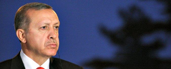 """Giornalisti arrestati in Turchia, Erdogan attacca: """"L'Ue si faccia gli affari suoi"""""""