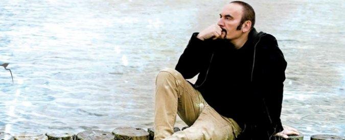 """Mango è morto, infarto durante concerto a Matera: """"La nostra rondine volata via"""""""