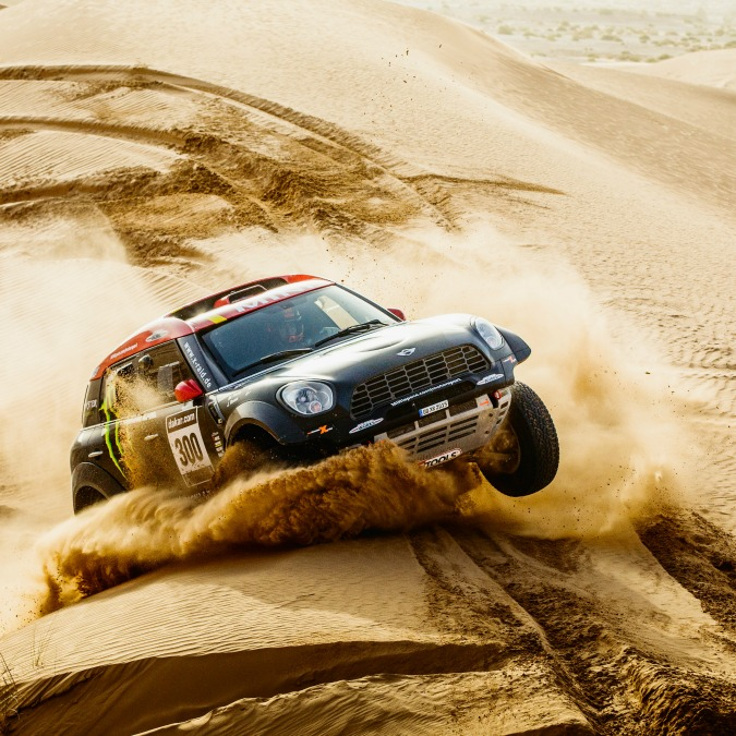 Mini presenta auto ed equipaggi per la Dakar 2015. Obiettivo, la quarta vittoria