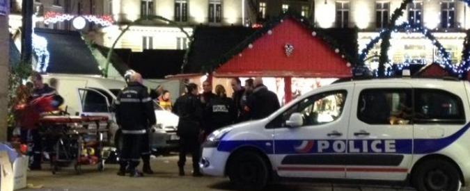 Nantes, furgone contro passanti al mercato di Natale: 10 feriti