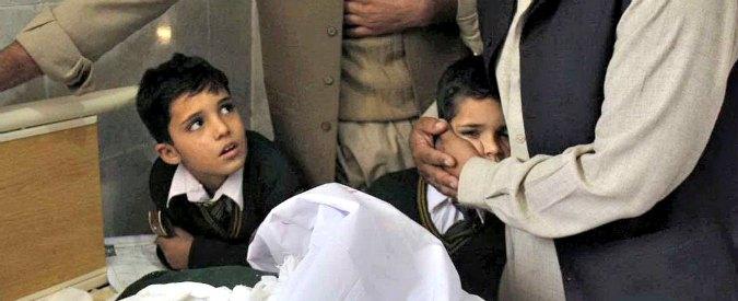 Peshawar, l'orrore nella scuola per i figli dei militari – Fotogallery