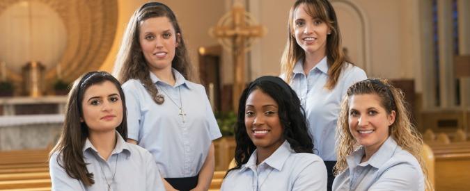 The Sisterhood, il percorso di fede di cinque ventenni diventa un reality in tv