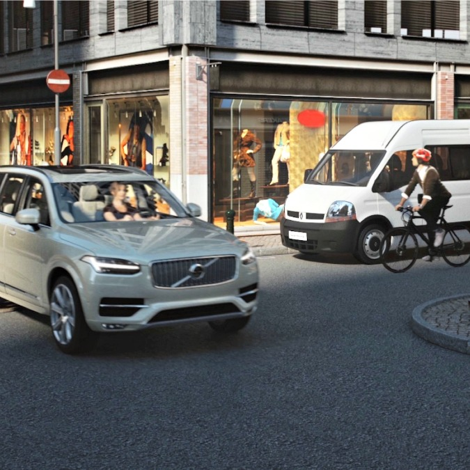 Volvo progetta il caschetto salva-ciclista