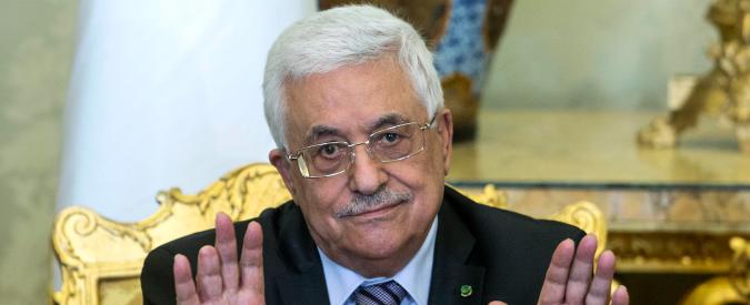 Palestina, Abu Mazen firma l'adesione alla Corte Penale Internazionale dell'Aia