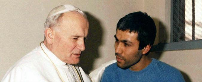 """Francesco, Ali Agca in Vaticano: """"Devo vedere il Papa"""". Fermato e espulso"""