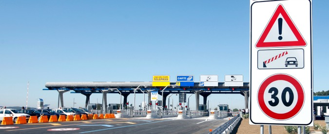 """Autostrade, """"Dal primo gennaio aumenti dei pedaggi in tutta Italia"""""""