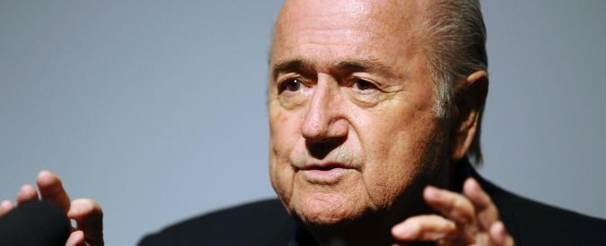 """Mondiali Qatar 2022, Blatter: """"Operai morti per gli stadi? Non dipende da noi"""""""