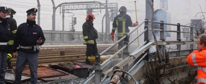 """Bologna, incendio sulla linea dell'Alta Velocità: treni in tilt. Lupi: """"Terrorismo"""""""