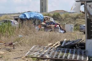 Roma, nomadi serbi non vogliono tornare nell'area autorizzata sulla Pontina