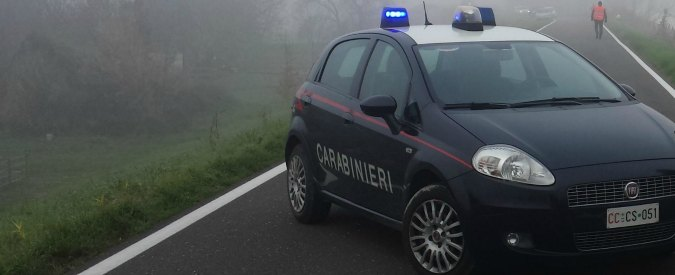 Milano, fuggono da carabinieri dopo tentato furto. Auto fuori strada: 2 morti
