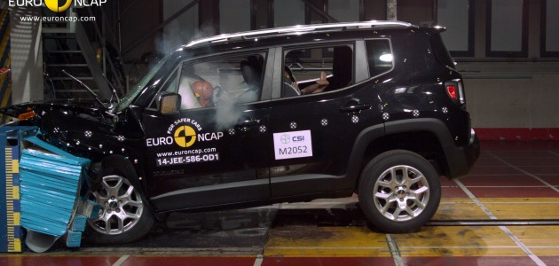 crash test jeep renegade