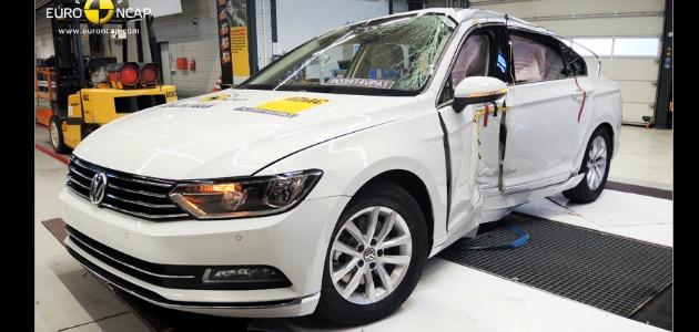 crash test volkswagen passat 2014