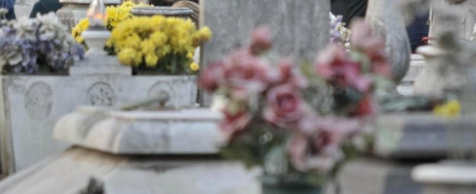 Cremona, va al cimitero e scopre che il suo loculo è già occupato