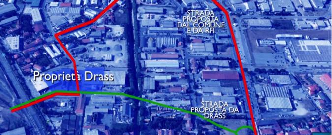 """Livorno, azienda """"anti crisi"""" divisa in due da strada Rfi: """"Costretti a delocalizzare"""""""