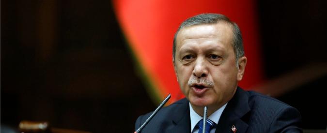 """Turchia, Erdogan: """"Germania di Hitler esempio di presidenzialismo"""". Poi il chiarimento"""
