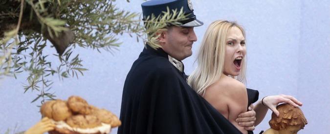 """Femen a San Pietro, Vaticano: """"Fatto grave, procederemo con rigore"""""""