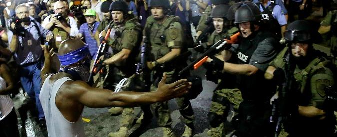 Obama, stop a militarizzazione polizia: Ferguson ribalta la strategia post 9/11