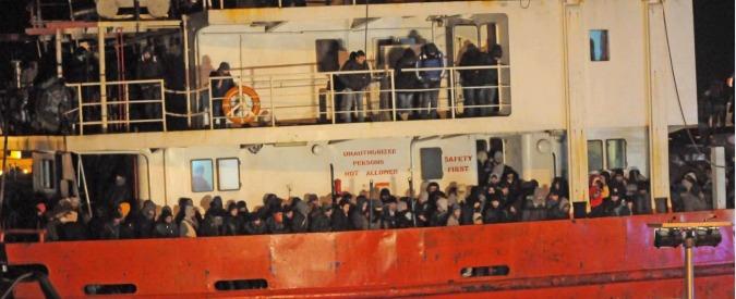 Migranti, arrivati a Gallipoli 768 siriani. Smentita la presenza di vittime a bordo