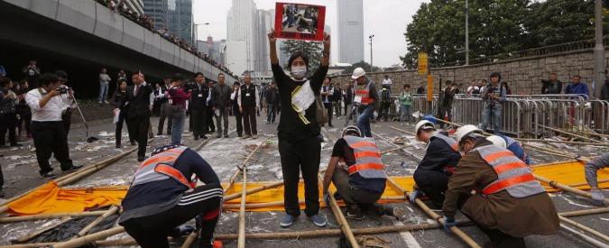 "Hong Kong, sgombero di ""Occupy Central"". Arrestati manifestanti"