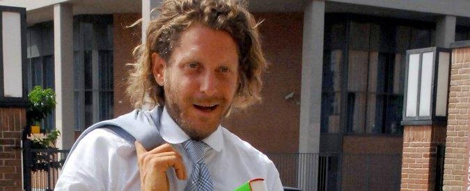"Lapo Elkann ricattato: ""Autoerotismo e droga. 90mila euro per video"". Un arresto"