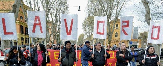 """Jobs act, Poletti: """"A marzo 92mila contratti in più"""". Mattarella: """"Cautela"""""""