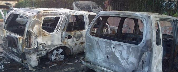 Meridiana, incendiate le auto di due dirigenti della compagnia