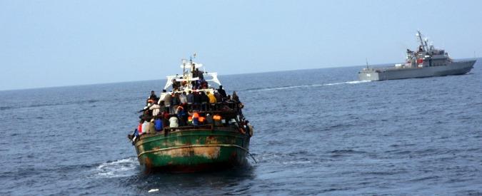 """Migranti, naufragio al largo della Libia: decine di morti. """"In 120 su gommone"""""""
