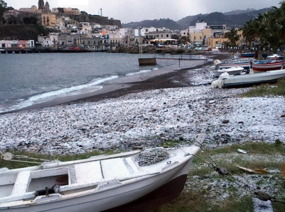 Maltempo: neve al sud, disagi nel Meridione e blocco ...