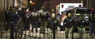 """New York, uccide due poliziotti in strada. """"Vendetta per i neri ammazzati"""""""