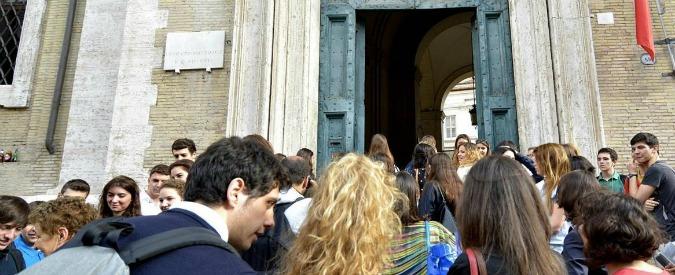Reggio Emilia, la Provincia taglia i progetti per l'assistenza disabili a scuola