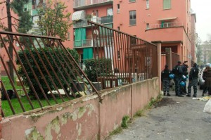 Milano, sgombero abusivi case popolari