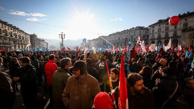I sindacati che non attaccano la Troika non contano: articolo 18 e Jobs Act ne sono la prova